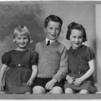 Wyn, Jim and Margaret Martin, children of James and Mary Martin&lt;br /&gt;<br />