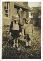 Wyn Martin (l), Maisie Gillespie (r), The Moor