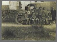 Stroanfreggan pupils outside the school 1924